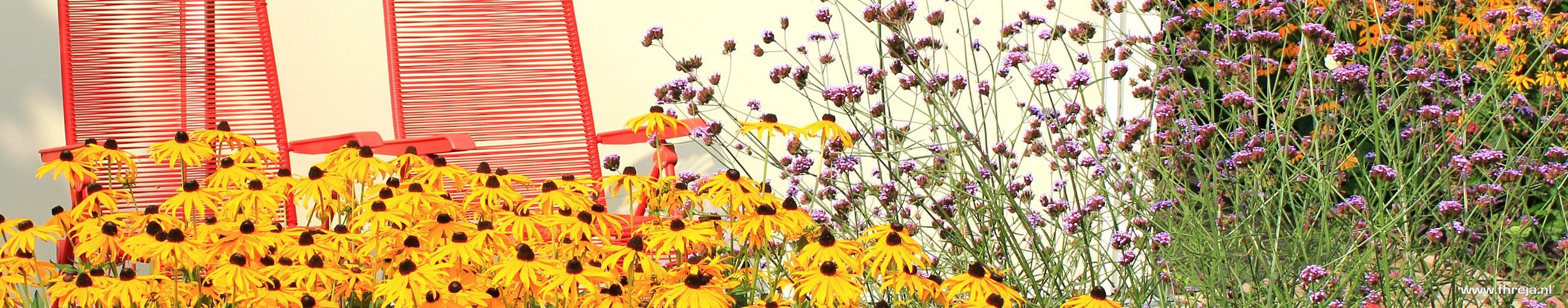 Royale kleurige tuin terras - Fhreja - Ontwerpbureau Groene Ruimte